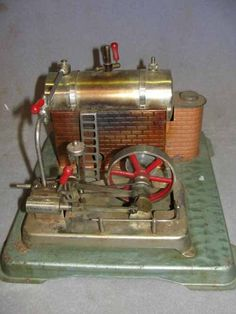 Toy Steam Engine Antique Toys, Vintage Toys, Model Steam Trains, Toy Steam Engine, Steam Toys, Steam Tractor, Fire Apparatus, Small Engine, Mechanical Engineering