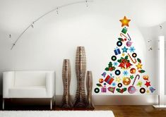 40 DIY Alternative Christmas Trees Adding Fun Wall Decorations to Green Holiday Decor Recycled Christmas Tree, Wall Christmas Tree, Diy Christmas Decorations For Home, Christmas Tree Design, Wall Decorations, Christmas Home, Holiday Decor, Alternative Christmas Tree, Diy Wall