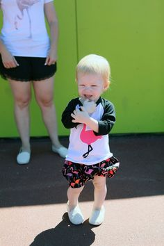 How cute is this flamingo mommy and me outfit? I love the flamingo baseball tee!