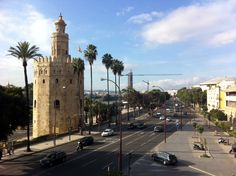Torre del Oro y Paseo de Colón