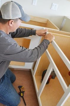 Video:How to Build Face Frames for Kitchen Cabinets Easy DIY Projects from Ana White Building Kitchen Cabinets, Diy Kitchen Cabinets, Built In Cabinets, Kitchen Redo, Kitchen Ideas, Kitchen Remodeling, Base Cabinets, Kitchen Pantry, Cupboards