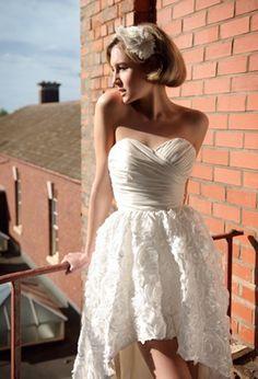 Vestido de noiva curto para o verão