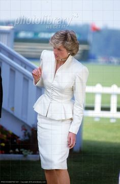 """Princess Diana 1986 – The Princess chose a white peplum-waisted skirt suit and pearl jewellery for a visit to Guards Polo Club in Windsor. Another pinner: """"Princess Diana.hmm excuse me? Princess Diana Fashion, Princess Diana Family, Royal Princess, Princess Of Wales, Princesa Diana, Charles And Diana, Lady Diana Spencer, Queen Of Hearts, Royal Fashion"""