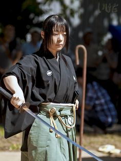 日本刀と美女