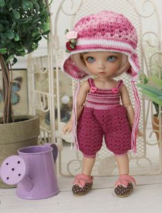 The set includes - Rompers and Hat, suitable for dolls size 1/8 (pukifee, lati yellow, doll-zone,Luts tini Delf,Pipos JR.PI). Material - 100%