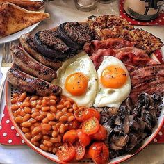 Your Typical English Breakfast Breakfast Platter, Breakfast Recipes, Breakfast Quotes, Typical English Breakfast, Breakfast Pictures, Breakfast Photo, Party Food Platters, Food Porn, Cafe Food