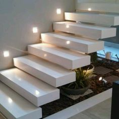 How to choose and buy a new and modern staircase – My Life Spot Interior Stairs, Home Interior Design, Exterior Design, Escalier Art, Stair Lighting, Lighting Ideas, Stair Decor, Floating Stairs, Marble Stairs
