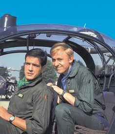 """Les Chevaliers du Ciel, et les pilotes Tanguy et Laverdure. Uderzo a installé dans son jardin un Mirage III E, patiemment restauré et identique à ceux qu'il dessinait dans """"Tanguy et Laverdure"""". La chanson du générique Les Chevaliers du Ciel est interprétée par Johnny Hallyday. Clic 2X"""