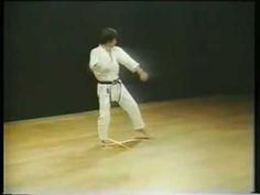 ▶ Shotokan Karate, Kata Heian Sandan - Kanazawa Hirokazu - YouTube