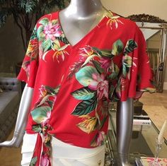 Swans Style is the top online fashion store for women. Shop sexy club dresses, jeans, shoes, bodysuits, skirts and more. Cute Blouses, Blouses For Women, Plus Size Looks, Bell Sleeve Blouse, Beautiful Blouses, Blouse Outfit, Short Tops, Online Fashion Stores, Dress Codes