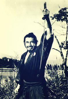 TOSHIRO MIFUNE.............SANJURO.............PARTAGE OF CHARLIE SANTORA..........
