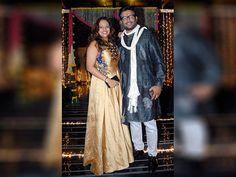 Madhavan along with his wife Sarita Birje during Aamir Khan's Diwali celebrations