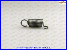 Tension spring. English loop and offset hook Acc. Din 2097 Muelle tracción anilla inglesa y gancho offset S/DIN 2097