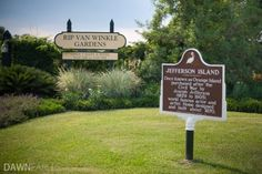 Town of Delcambre   Entrance to Rip Van Winkle Gardens