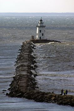 Saybrook Breakwater Lighthouse , Connecticut