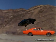 #KITT jumps a familiar looking car in a 1983 episode. #KnightRider #DukesofHazzard