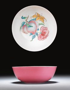 bowl ||| sotheby's l11211lot63gbpen Japanese Porcelain, Fine Porcelain, Chinese Painting, Chinese Art, Ceramic Bowls, Ceramic Art, Vases, Art Nouveau, Chinese Ceramics