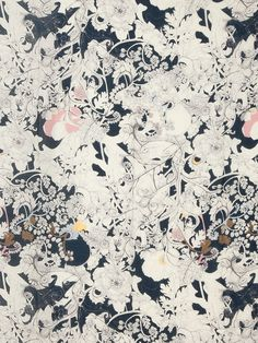 floral print / floral pattern / muted colors