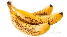 La banana es una superfruta. Conviene saber es que mientras más madura está la banana, más beneficiosa es para tu salud. De hecho,la banana previenemuchas enfermedades y fortalece el sistema inmunológico.\r\n[ad]\r\nComer 2 bananas cada día da a tu cuerpo todas las vitaminas y minerales esenciales para la buena salud. Muy nutritiva, la banana es una fruta con múltiples beneficios.\r\n\r\n\r\n\r\nEn comparación con la manzana, la banana tiene:\r\n- 4 veces más proteína,\r\n- 2 veces más…