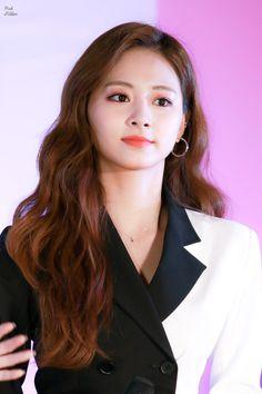 Bias Kpop, Tzuyu Twice, Nayeon, Hollywood Actresses, Idol, Fandoms, Beauty, Tzuyu Wallpaper, Red Velvet