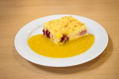Topfen-Reisauflauf mit Himbeeren Pudding, Eggs, Breakfast, Desserts, Souffle Dish, Raspberries, Dessert Ideas, Food Portions, Food Food