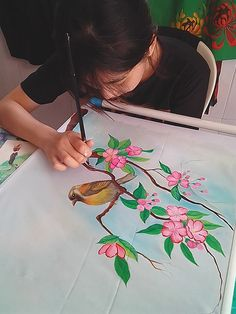 Lotus Painting, Dress Painting, Dot Art Painting, Silk Painting, Saree Painting Designs, Fabric Paint Designs, Fabric Painting On Clothes, Fabric Art, Hand Painted Fabric