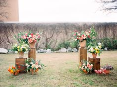 Grey Likes Weddings Blog Rugs are not the only way to create the perfect altar! These DIY flower boxes with potted plants brings this area from drab to fab!