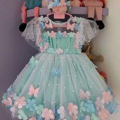 Kids Party Wear Dresses, Kids Dress Wear, Little Girl Dresses, Baby Dress, Flower Girl Dresses, Baby Frocks Designs, Kids Frocks Design, Fashion Kids, African Dresses For Kids