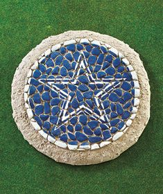 NFL Mosaic Garden Stones - Will try to make one myself. Mosaic Garden, Mosaic Art, Mosaic Tiles, Garden Art, Concrete Stepping Stones, Lakeside Collection, Mosaic Designs, Garden Stones, Porch Decorating