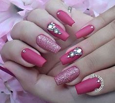 In orde to inspire you make winter nails matte color for your short nails, we have specially collected more than 60 images of short matte nail art designs. I hope you can find a satisfactory style from them. Diy Nail Designs, Acrylic Nail Designs, Diy Design, Trendy Nails, Cute Nails, Pink Nails, My Nails, Matte Acrylic Nails, Glitter Accent Nails