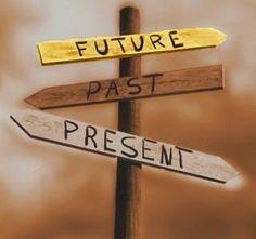 Superar é preciso. Seguir em frente é essencial, olhar pra traz é perda de tempo. Passado se fosse bom era presente!