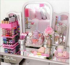 Girls Bedroom, Bedroom Decor, Bedroom Ideas, Diy Vanity Mirror, Dressing Table Vanity, Dressing Room, Barbie Room, Make Up Storage, Storage Ideas
