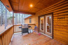 Backwoods Cabin | Broken Bow, OK | Blue Beaver Cabins Outside Fireplace, Cozy Fireplace, Beavers Bend State Park, Broken Bow Lake, Beaver Bend, Luxury Cabin, Cedar Creek, Soaker Tub, Covered Decks