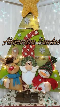 Santa, reno y nieve Indoor Christmas Decorations, Christmas Signs, Christmas And New Year, Christmas Wedding, Christmas Tree Ornaments, Christmas Stockings, Christmas Crafts, Merry Christmas, Holiday Decor