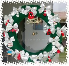 Minhas Artes...: Guirlanda de Natal Esta aqui foi feita de feltro...