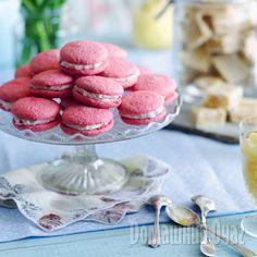 Хрустящие снаружи и очень нежные внутри, эти пирожные – настоящий подарок для сладкоежек.