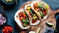 Blue Corn Tortillas, Fresh Tortillas, Flour Tortillas, Mexican Dishes, Mexican Food Recipes, Mexican Meals, Spanish Recipes, Pea Recipes, Ethnic Recipes
