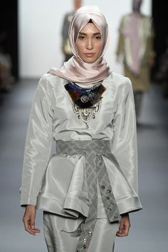 How This Muslim Designer Made History at New York Fashion Week – Haute Hijab