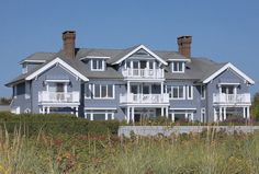 Luxe Magazine: A New Jersey Home is Transformed into a Bright Beach Haven| #Luxe #beach #home #architecture #NewJersey #summer #luxury See more at http://www.luxesource.com.