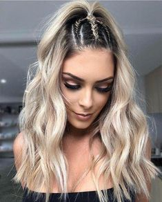 Ponytail Hairstyles Fun Hairstyles To Rock At The Beach braided half up Hairstyles Fun Hairstyles To Rock At The Beach braided half up Beach Braids, Fun Braids, Simple Braids, Simple Ponytails, Braided Half Up, Half Updo, Box Braids Hairstyles, Hairstyle Ideas, Half Braided Hairstyles