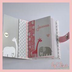 Mini – Albums – Mes petites {parenthèses} by Elise Album Photo Scrapbooking, Mini Albums Scrapbook, Baby Scrapbook Pages, Scrapbook Paper, Baby Mini Album, Diy And Crafts, Paper Crafts, Mini Books, Baby Cards