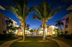 Cayman Reef Resort at Night Wedding Memorial, Grand Cayman, Memories, Vacation, Mansions, Night, House Styles, Memoirs, Souvenirs