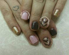 Nude, brown and gold nails with a chevron design #PreciousPhanNails
