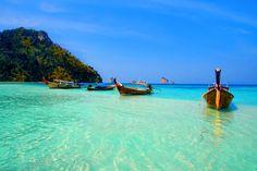 หาดอ่าวนาง (Ao Nang Beach) in กระบี่, จังหวัดกระบี่-Ao Nang is Kaabi tourist central. The coastline of Ao nang is twenty kilometers away from Krabi town, and six kilometers away from Noppharat Thara beach. Phuket Thailand, Thailand Travel, Oh The Places You'll Go, Places To Visit, Krabi Town, Villa Phuket, Ao Nang Beach, Khao Lak, Koh Chang