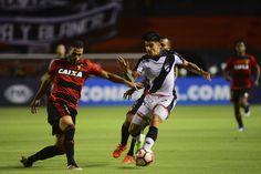 Rithely, Diego Souza y Fabricio marcaron los goles del triunfo que dejan la serie muy cuesta arriba para la revancha del 11 de mayo en Montevideo.