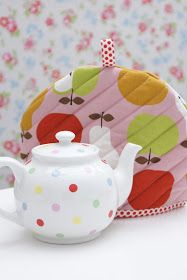 MessyJesse: Quilted Tea Cosy Tutorial