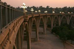 Dusk at the Colorado Street Bridge, Pasadena, California. Links to NPS Route 66 site. | Karol Franks via Flickr