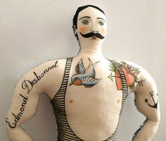 strong tattooed man un radis m'a dit Soft Sculpture, Textile Sculpture, Textile Art, Fabric Dolls, Paper Dolls, Mermaids And Mermen, Waldorf Dolls, Textiles, Soft Dolls