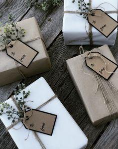 Christmas Gift Wrapping, Christmas Love, Diy Christmas Gifts, Holiday Gifts, Christmas Decorations, Holiday Gift Guide, Holiday Fun, Creative Gift Wrapping, Creative Gift Packaging