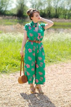Vintage inspired outfit featuring the Hell Bunny pineapple jumpsuit Pin Up Outfits, Indie Outfits, Fashion Outfits, Fashion Styles, Fashion Ideas, Women's Fashion, Bunny Outfit, My Outfit, Jumpsuit Outfit
